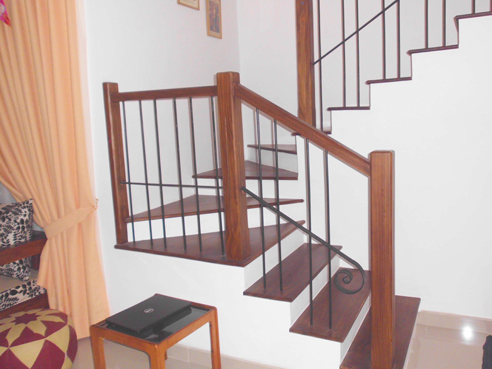 Dedunu wood works wood railing designs staircase for Balcony designs pictures sri lanka